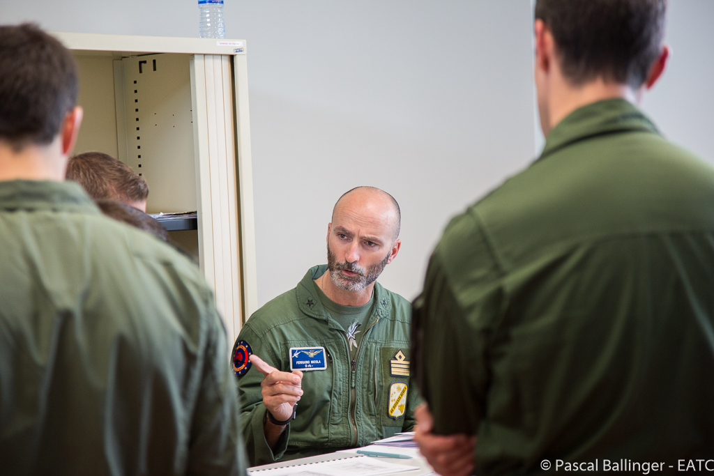 The instructor checks the mission preparation, attends the briefings, asks questions if things are not clear enough in his eyes … and sometimes gives advice on how the mission could be better fulfilled.