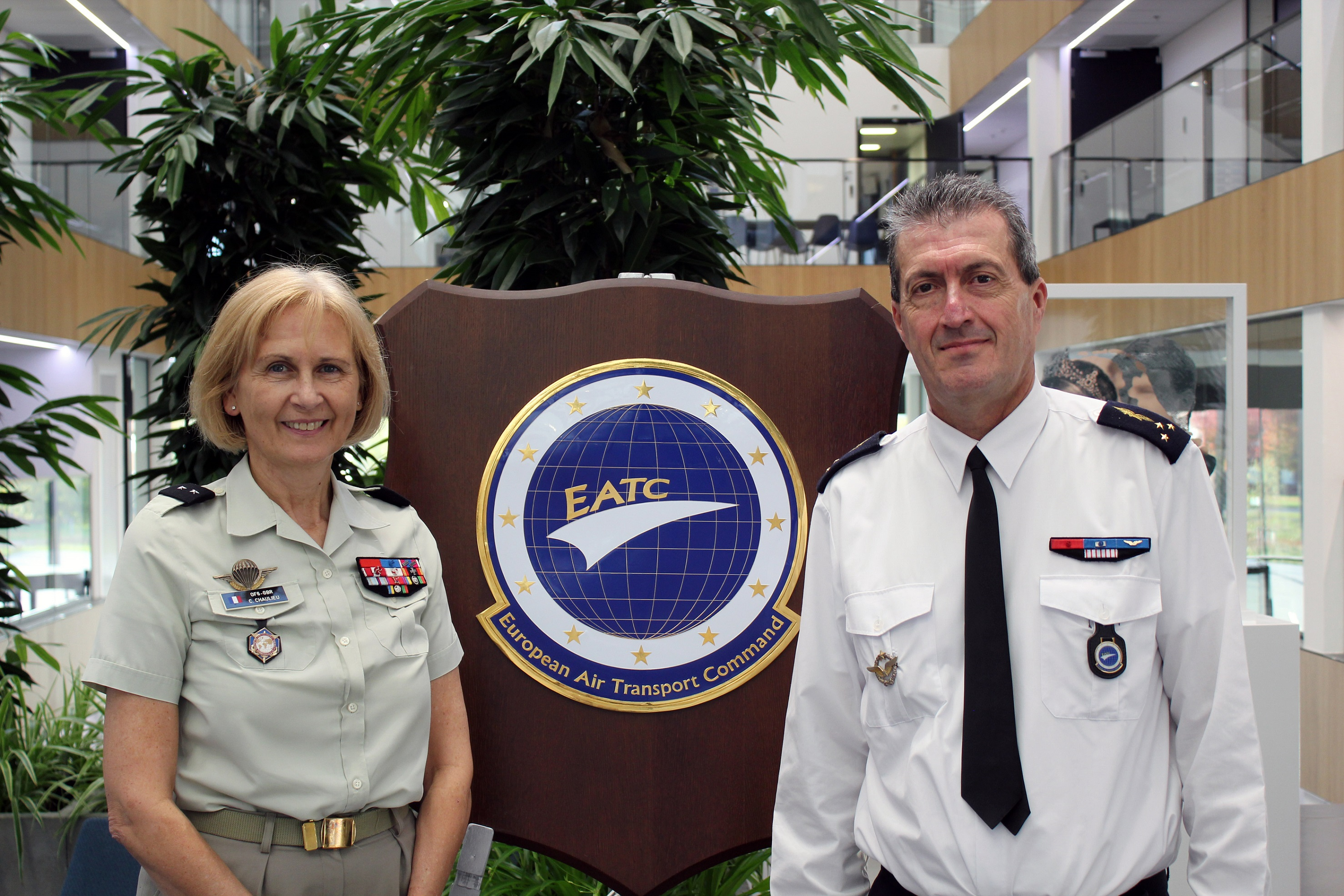 The French Deputy Military Representative to the EUMC meets the Commander EATC