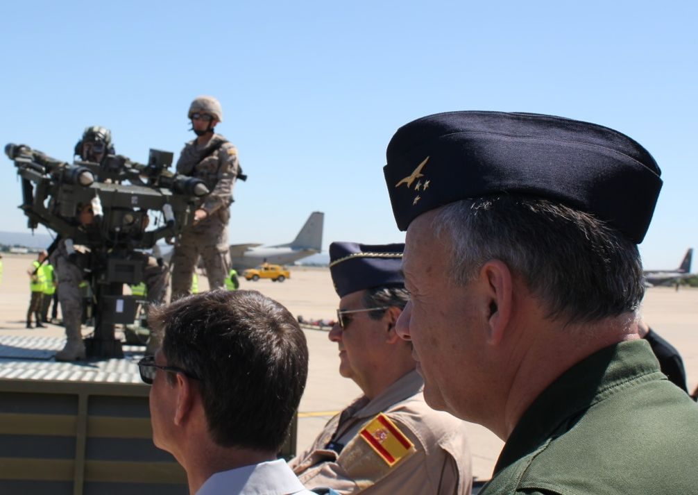 General Valentin at a static display (in the background General Arnaiz)