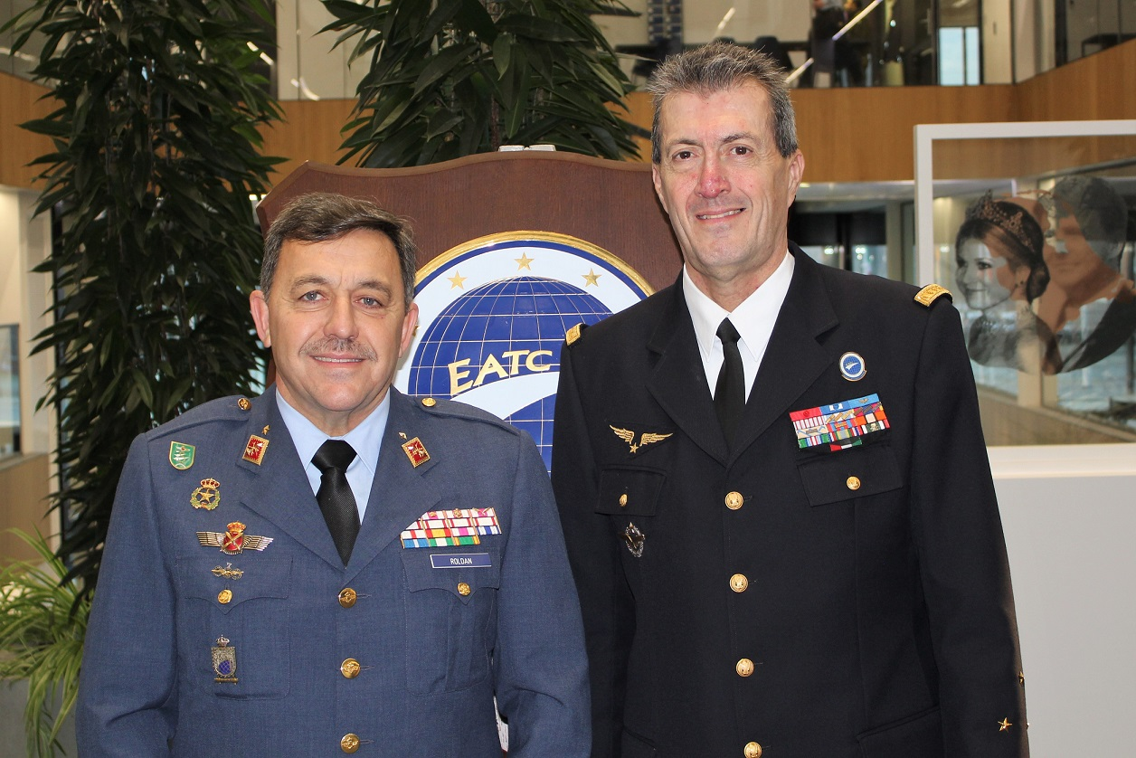 The Spanish Chief of the NMTCC visits EATC